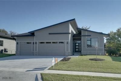 Urbandale Single Family Home For Sale: 14314 Sutton Drive