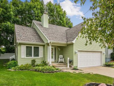 West Des Moines Single Family Home For Sale: 5301 Brookview Drive