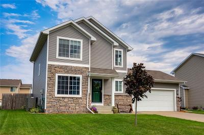 Waukee Single Family Home For Sale: 775 SE Westgate Drive
