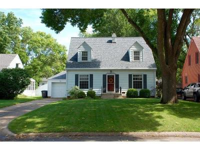 Des Moines Single Family Home For Sale: 2803 47th Street