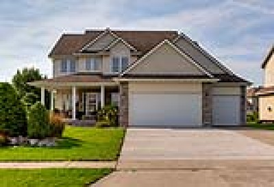 West Des Moines Single Family Home For Sale: 8410 Century Drive
