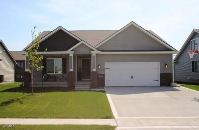 Fort Dodge Single Family Home Pending W/Contingencies: 2103 Williams Drive
