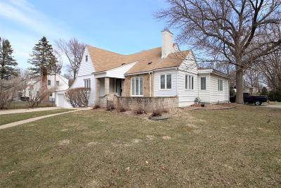 Single Family Home Sold: 1207 Dodge Circle