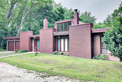 Fort Dodge Single Family Home For Sale: 2214 Lakewood Trail