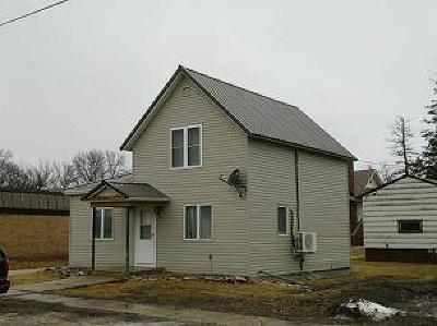 Calhoun County, Hamilton County, Humboldt County, Webster County Single Family Home For Sale: 103 SE B Ave