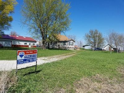 Moorland Single Family Home For Sale: 2580 Dakota Ave.