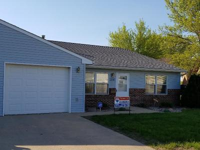 Fort Dodge Single Family Home For Sale: 910 No. 29th St.