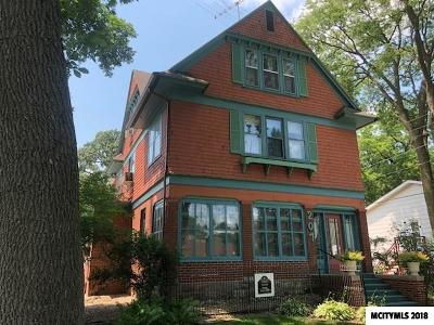 Multi Family Home For Sale: 207 N 3rd St