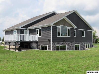 Mason City Single Family Home For Sale: 2708 Sunrise Ct