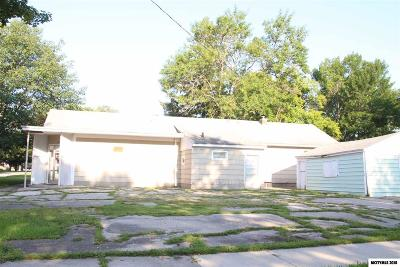 Mason City Single Family Home For Sale: 404 15th NW