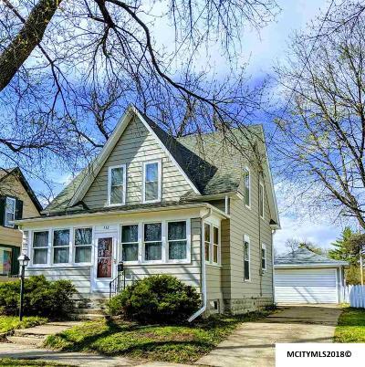 Mason City Single Family Home For Sale: 532 6th Street SE