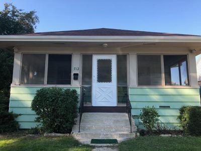 Mason City Single Family Home For Sale: 712 9th NE