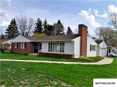Mason City Single Family Home For Sale: 396 Willowbrook