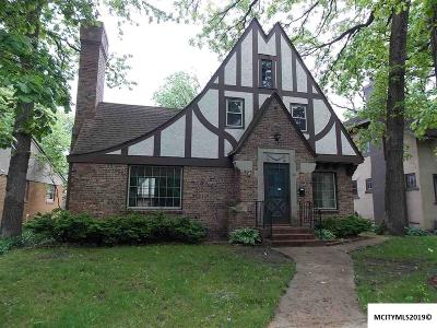 Mason City Single Family Home For Sale: 88 Linden Dr