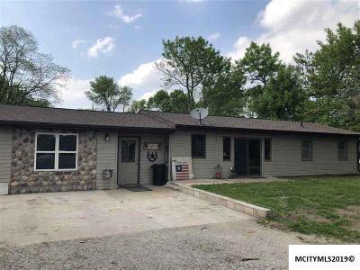 Mason City Single Family Home For Sale: 3220 Birch Dr