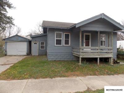 Mason City Single Family Home For Sale: 2002 S Pennsylvania