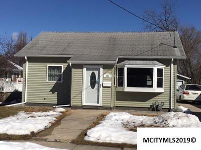 Mason City Single Family Home For Sale: 634 3rd SE