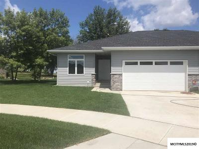 Mason City Single Family Home For Sale: 2344 Ping Ct