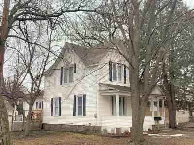 Clear Lake Single Family Home For Sale: 913 Main Ave