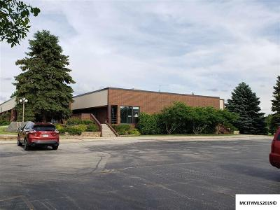 Mason City Commercial For Sale: 825 S Taft