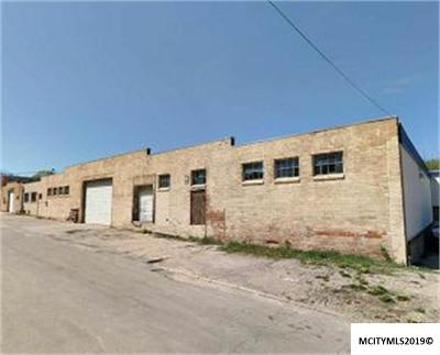 Mason City Commercial For Sale: 22 10th SW