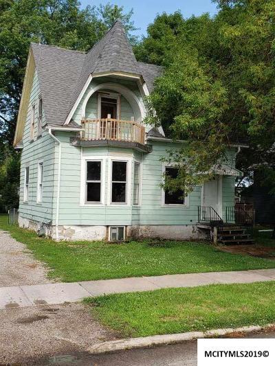 Mason City Single Family Home For Sale: 622 S President