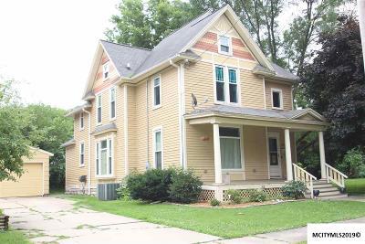 Mason City Single Family Home For Sale: 115 N Jefferson