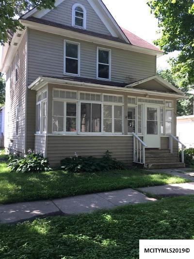 Mason City Single Family Home For Sale: 115 6th NW