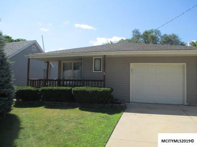 Mason City Single Family Home For Sale: 109 23rd SW