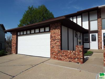Single Family Home For Sale: 3805 Chippewa Ct