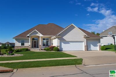 Single Family Home For Sale: 6737 Kingswood Ct.