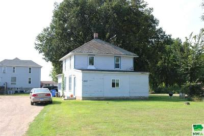 Multi Family Home For Sale: 1203-09-15 E Cherry