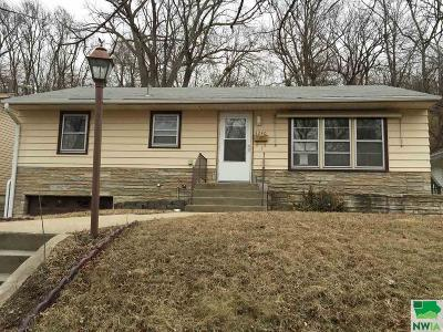 Single Family Home Active With Contingency: 3240 Jennings St