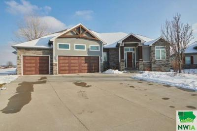 Single Family Home For Sale: 140 Teton Pines Court
