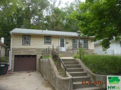 Single Family Home For Sale: 3240 Jennings