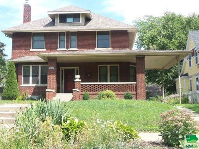 Single Family Home For Sale: 2112 Jackson Street