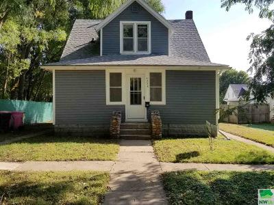 Single Family Home For Sale: 4228 Central St