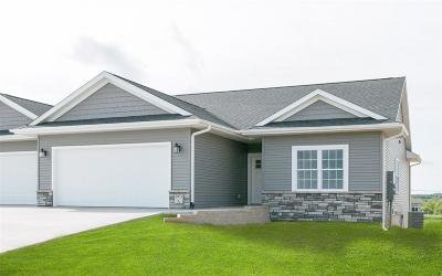 Solon Condo/Townhouse For Sale: 3967 NE Hendricks Ln. #B