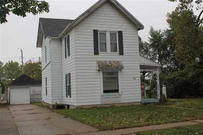 Lone Tree Single Family Home For Sale: 108 W Jayne St