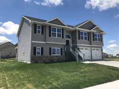 North Liberty Single Family Home For Sale: 1185 Franklin Dr.