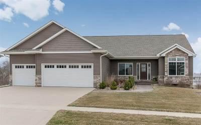 North Liberty Single Family Home For Sale: 1670 Stone Creek Cir