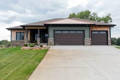 Solon Single Family Home For Sale: 3936 NE Hendricks Lane