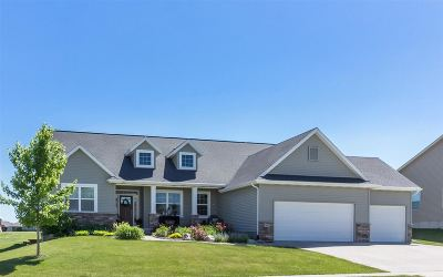 North Liberty Single Family Home For Sale: 1695 Stone Creek Circle