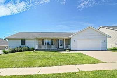 Iowa City Single Family Home For Sale: 919 Duck Creek Dr