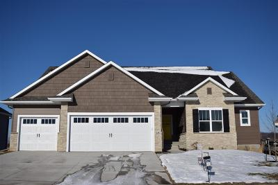 North Liberty Single Family Home For Sale: 935 Grouse Ct.