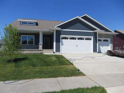 North Liberty Single Family Home For Sale: 995 Olive Court