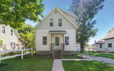 Cedar Rapids Single Family Home For Sale: 1107 10th St NW
