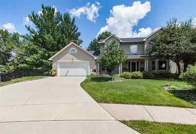Iowa City Single Family Home For Sale: 74 Rita Lyn Ct
