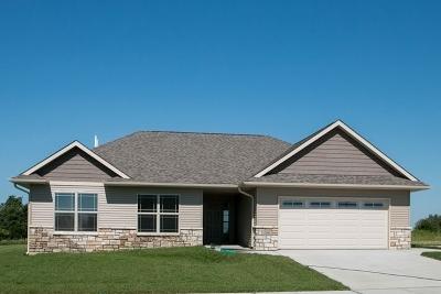 Iowa City Single Family Home For Sale: 1201 Wildcat Lane