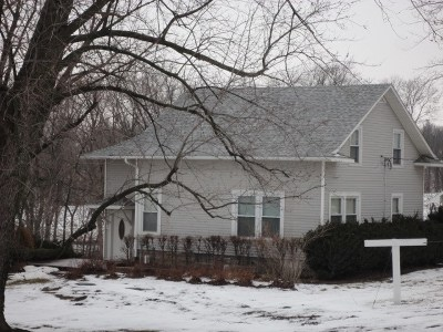 Kalona Single Family Home For Sale: 1074 Ivy Ave